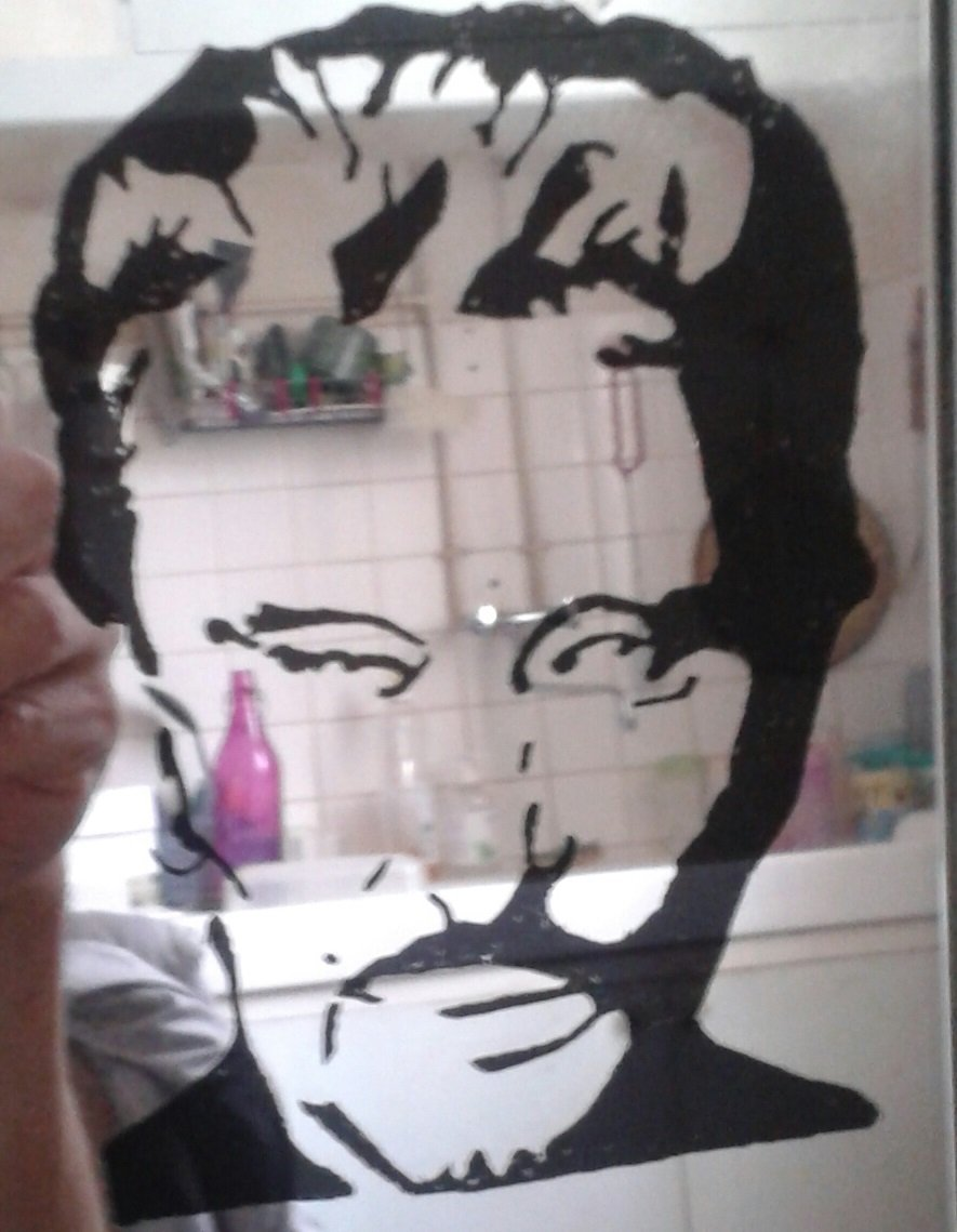 Gravure sur miroir gravurepassion for Gravure sur miroir